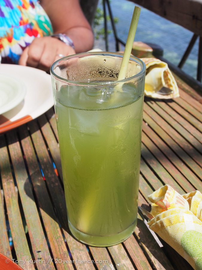 We washed down all our food with the most refreshing glass of lemongrass tea—I am a lemongrass devotee and can never get enough, so this was truly a delight!